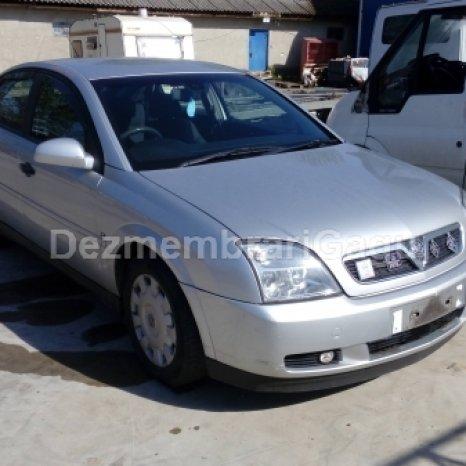 Dezmembrez Opel Vectra C, an 2002