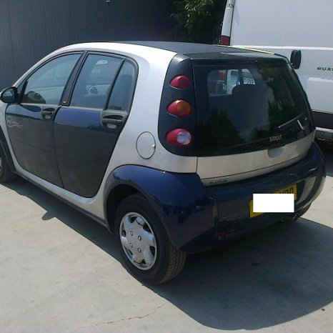 Dezmembrez Smart Forfour Pulse, an 2006,