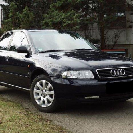 Vand compresor clima Audi A4 motor 1.6 benzina an 1998