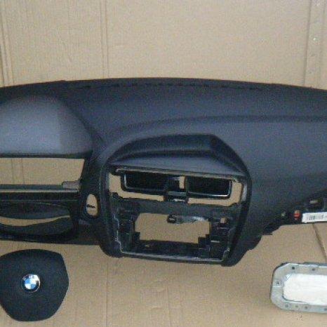 Vindem kit de airbag pentru BMW F20, 2010.