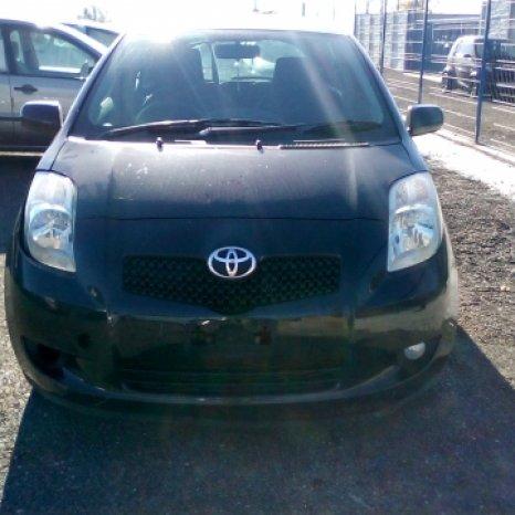 Dezmembrez Toyota Yaris ,an 2007 ,