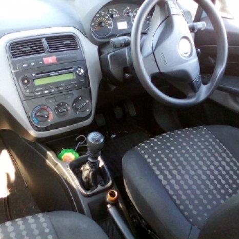 Dezmembrez Fiat Grande Punto ,an 2006