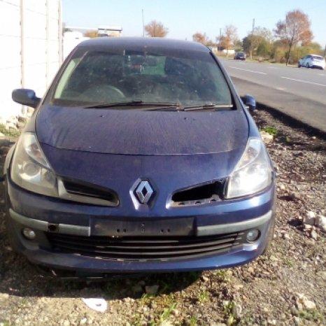 Dezmembrez Renault  Megane II ,an 2006