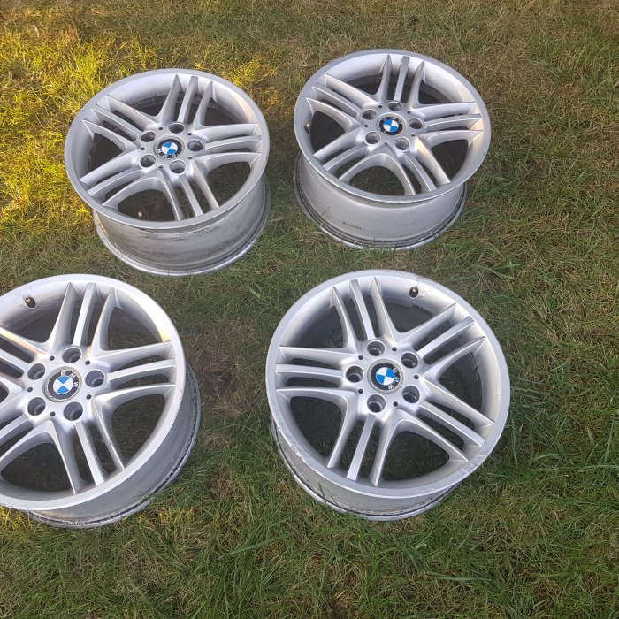 Jante aliaj originale 17 INCH BMW 320D F30 2014. Perfect functionale.