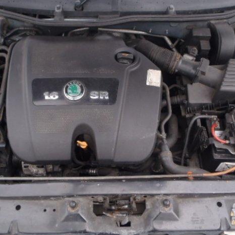 Dezmembrez Skoda Octavia 2003, benzina