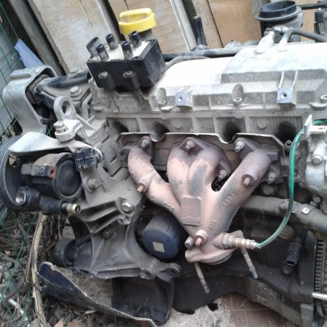 Motor Logan 1.6 benzina 2006. Poze reale