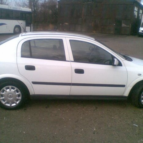Dezmembrez  gama de piese Opel