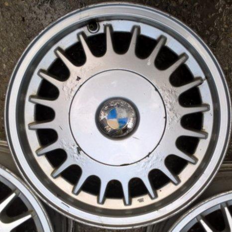 Jante de aliaj BMW pe R15 cu 5x120 7J-ET20