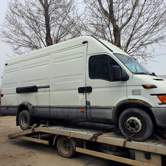 Dezmembrari Iveco Daily 2.8D, an 2004