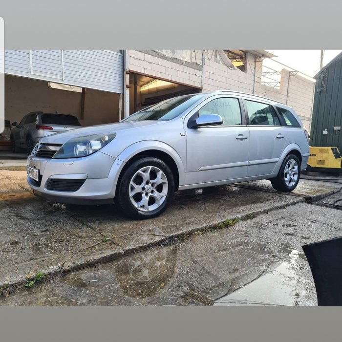 Dezmembrez Opel Astra H 1.8 Benzinaa