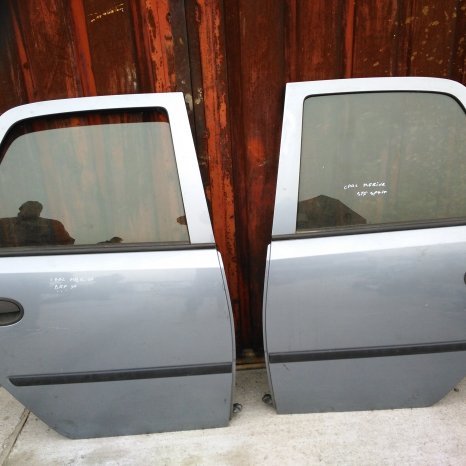 Usa spate Opel Mervia