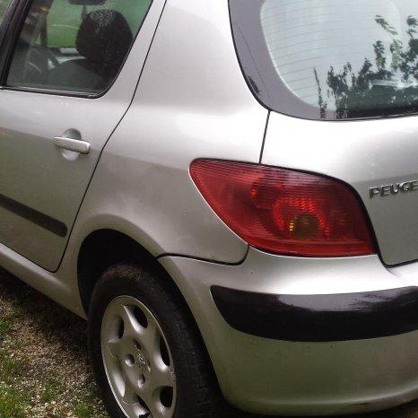 Dezmembrez Peugeot 307 1.4 i , 75 CP, 2003, motor KFW, caroserie