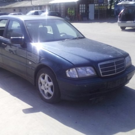 Dezmembrez Mercedes-Benz 202/C220, an 1997