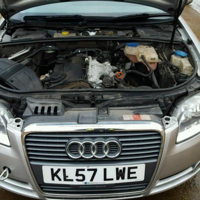 Dezmembrez Audi A4 B7 Motor BRE 2.0 Tdi an 2007