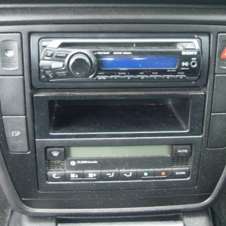 Vand CD player pt: Skoda, VW, BMW, Opel, Audi, Honda, etc.