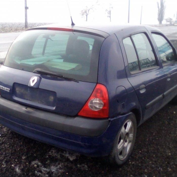 Dezmembrez Renault Clio II, an 2003, motorizare 1.5 DCI