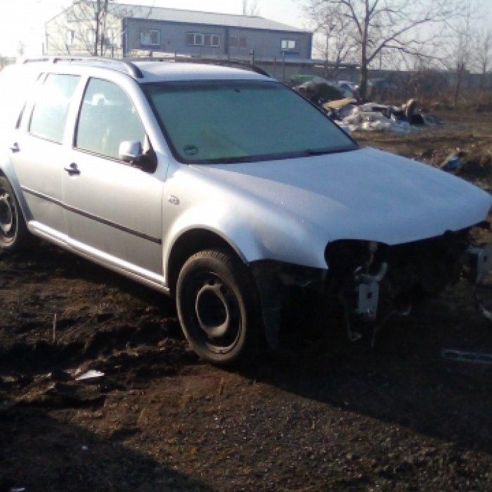 Dezmembrez Volkswagen Golf IV Variant, an 2005, motorizare 1.6