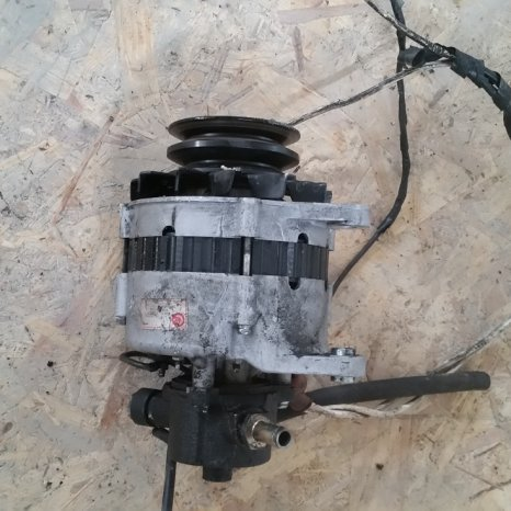 Alternator Nissan Vanette, 2.3 diesel, an 2000
