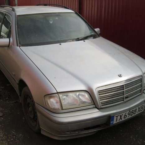 Dezmembrez Mercedes C-KLASSE C220D W202