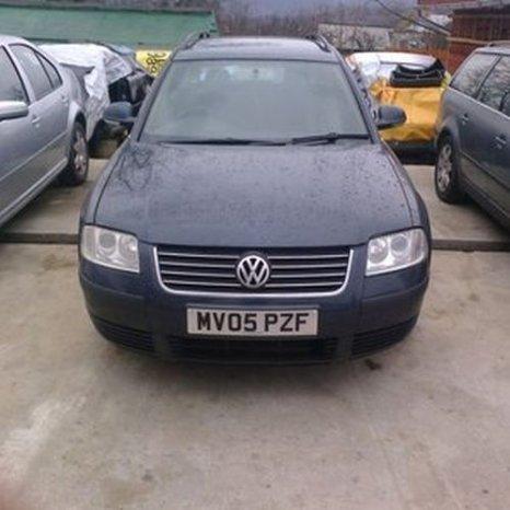 Volkswagen Passat, 2005, albastru inchis