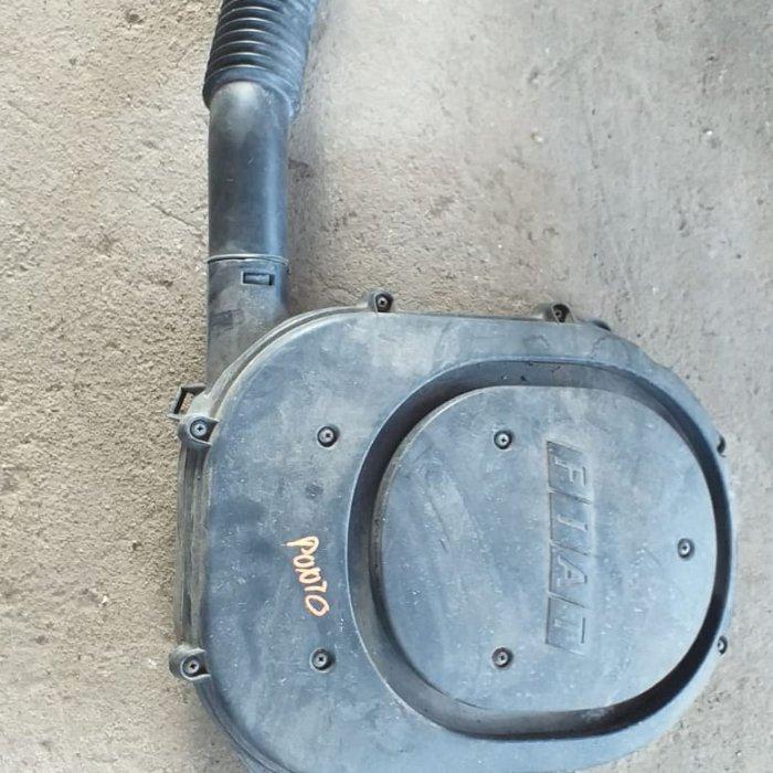 carcasa filtru aer   fiat punto an 2003 motor 1.2 benzina  in stare buna