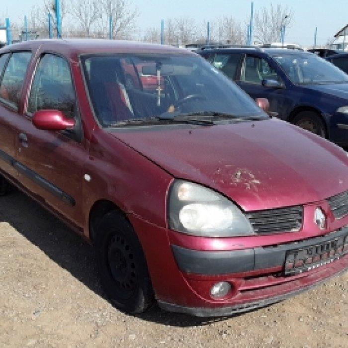 Dezmembrez Renault Clio II, an 2001, motorizare 1.2 16V, Benzina, kw 55, caroserie Hatchback