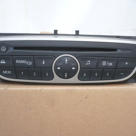 radio CD MP3 Renault Megane 3 III , Fluence 281150030R