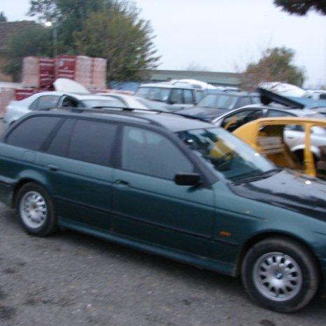 Dezmembrez BMW 520i din 1998