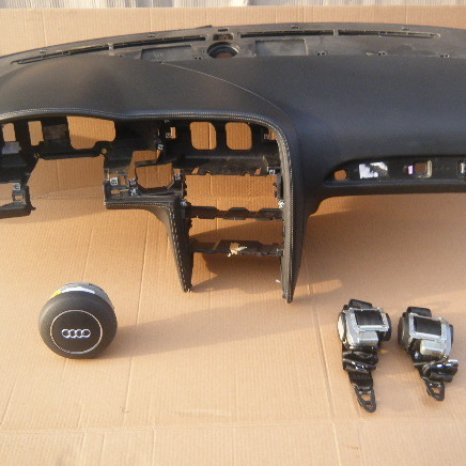 Vindem kit de airbag pentru AUDI RS6, 2010.