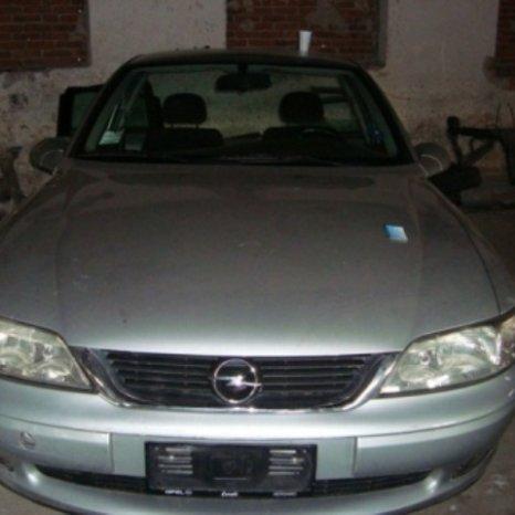 Dezmembram Opel Vectra B