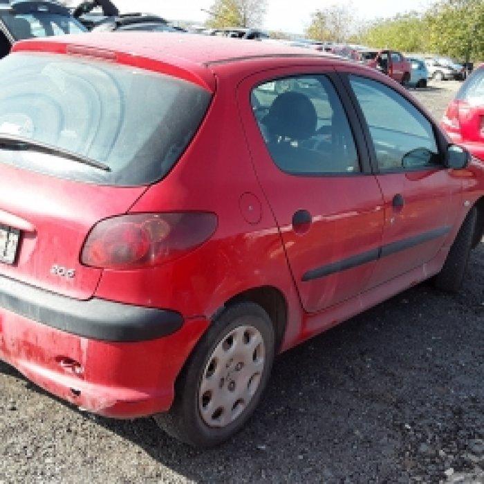 Dezmembrez Peugeot 206, an 2007, motorizare 1.4 I