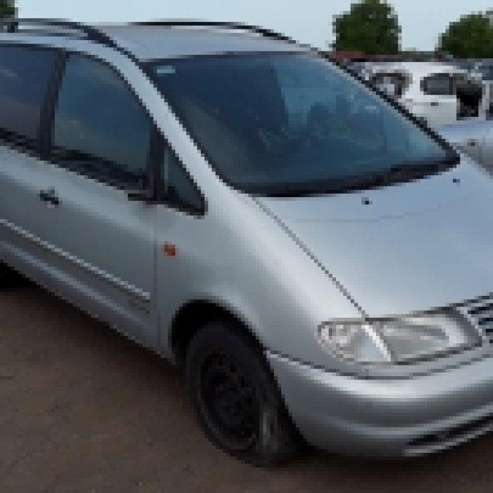 Dezmembrez Volkswagen Sharan,1999
