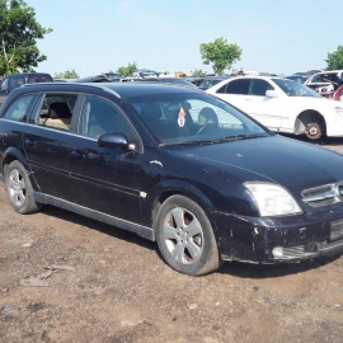 Dezmembrez Opel Vectra C, an 2004,2.2 DTI