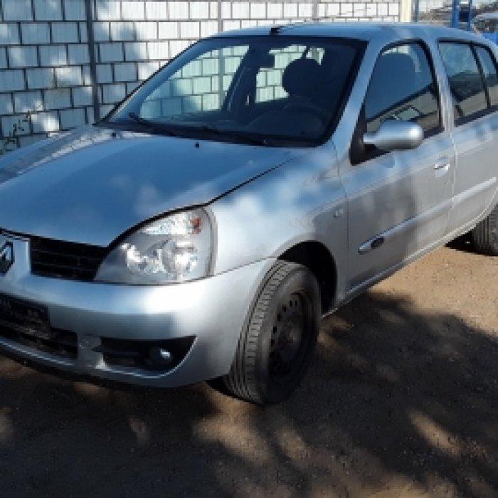 Dezmembrez Renault Clio II, an 2005,1.5 DCI