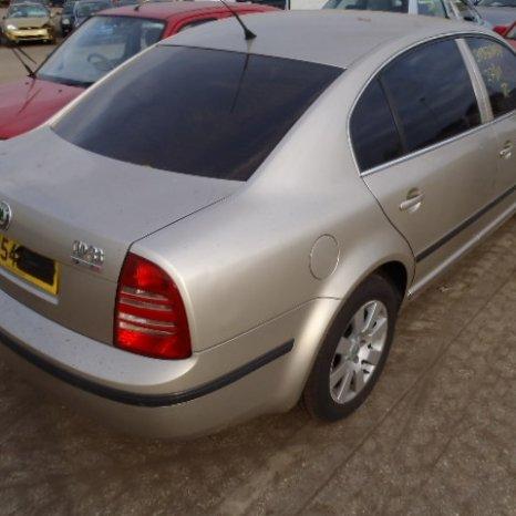 Dezmembrez Skoda Superb 2004, diesel