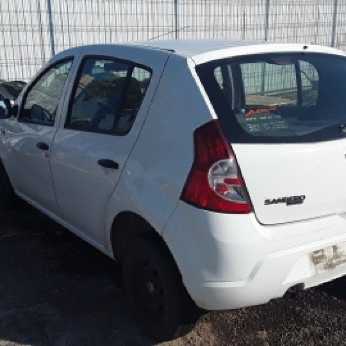 Dezmembrez Dacia Sandero  , an 2010,1.4