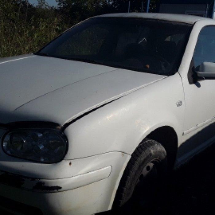 Dezmembrez Volkswagen Golf IV  , an 1998