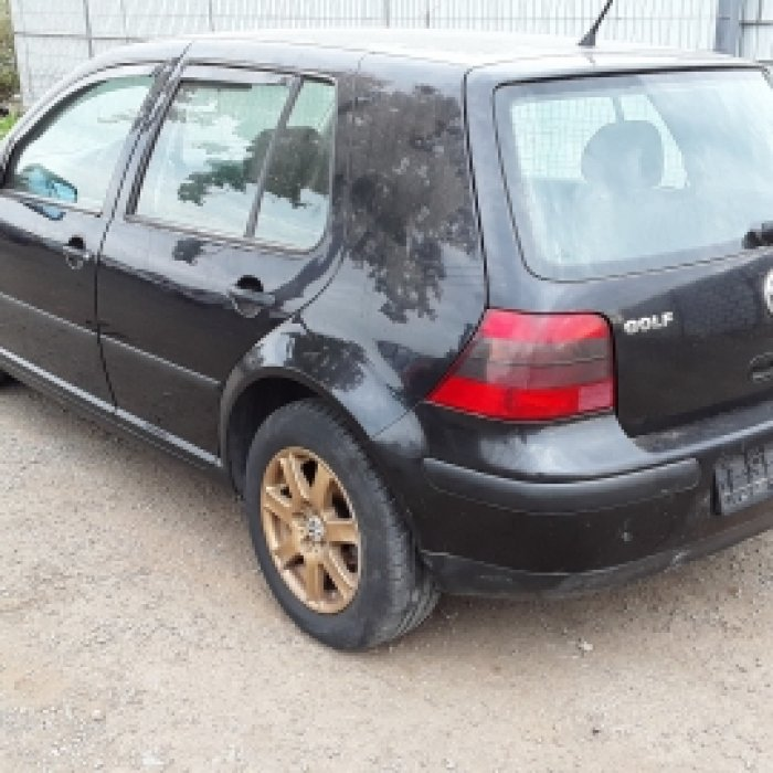 Dezmembrez Volkswagen Golf IV  , an 2002