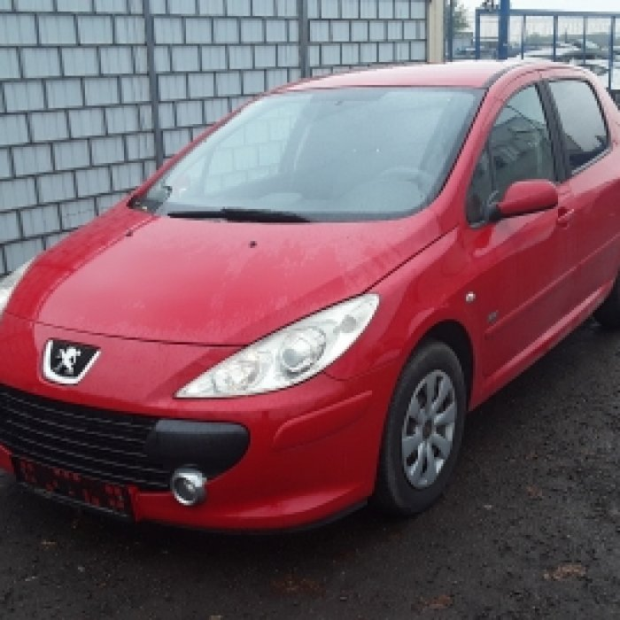 Dezmembrez Peugeot 307 , an 2005, motorizare 1.6 HDI