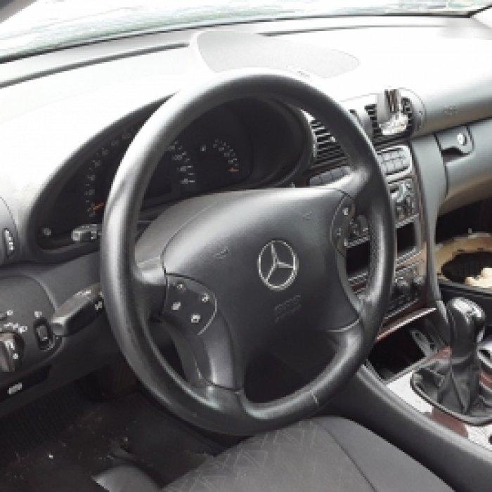 Dezmembrez Mercedes - Benz , an 2001,C180