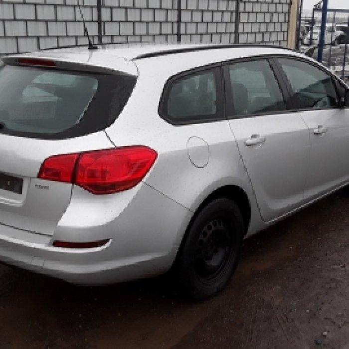 Dezmembrez Opel Astra J  , an 2011, motorizare 1.7 CDTI