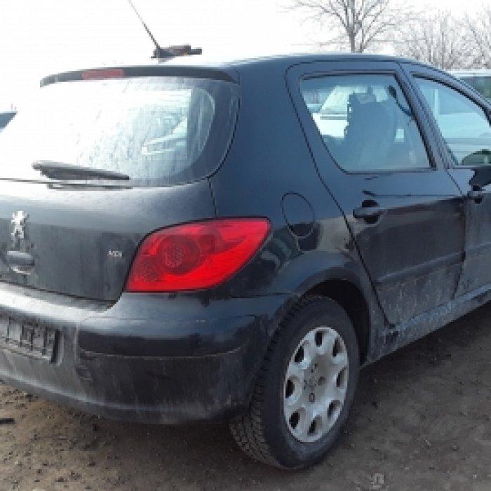 Dezmembrez Peugeot 307 , an 2006, motorizare 1.6 HDI