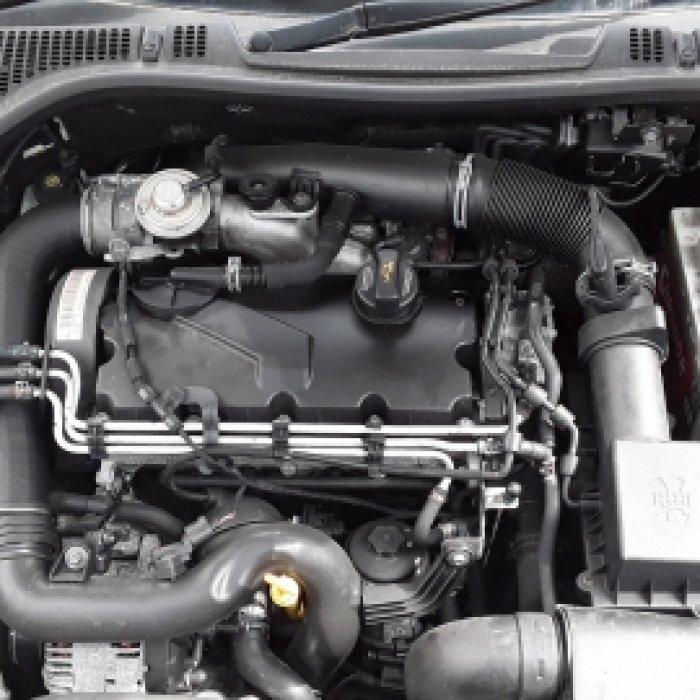 Dezmembrez Skoda Superb , an 2012, motorizare 1.6 TDI