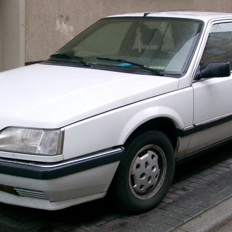 Dezmembrez Renault 25 orice piesa