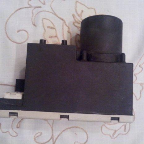 Modul vacuum/ inchidere centralizata Audi A4/B5, 2000