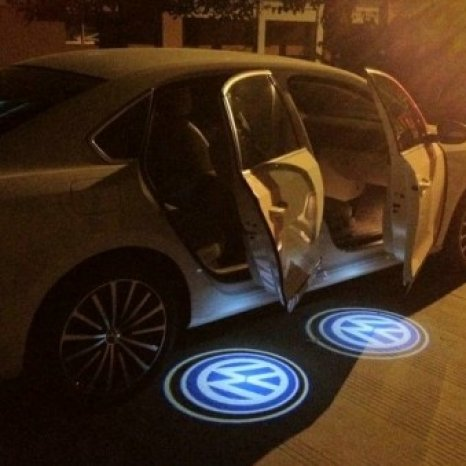 Proiectoare LED cu logo-ul masinii pentru portiere