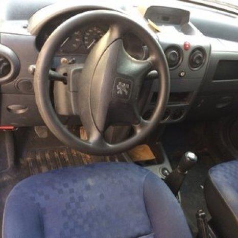 Dezmembrez Peugeot Partner 1,9 diesel an 2006