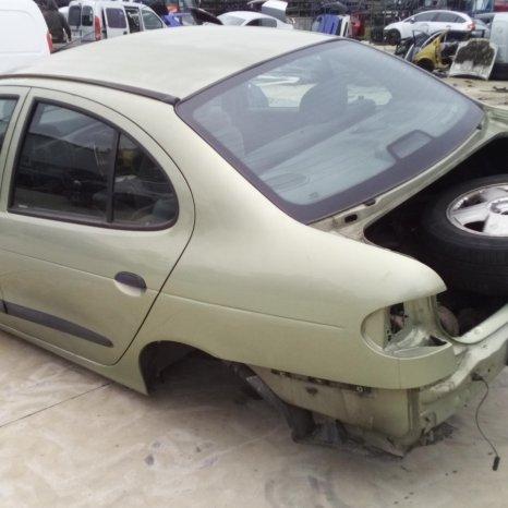 Dezmembrez Renault Megane, an 2000