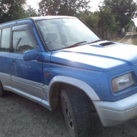 Dezmembrez Suzuki Vitara din 2000