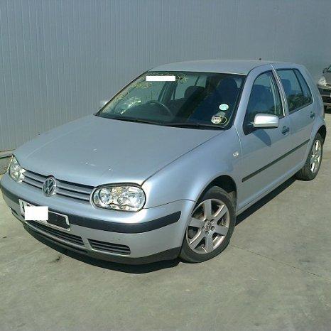 Dezmembrez Volkswagen Golf, an 2004
